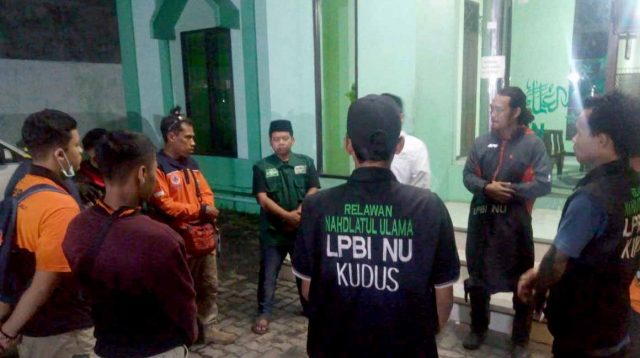 Relawan LPBI NU Jawa Tengah siap diberangkatkan ke lokasi bencana tsunami Selat Sunda. (istimewa)