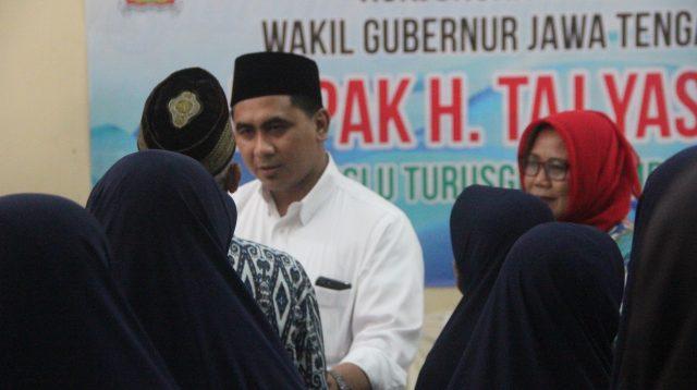 Wakil Gubernur Jawa Tengah Taj Yasin bertemu anak panti Rembang